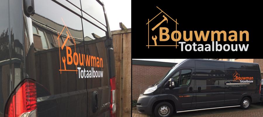 Een Bouwman Totaalbouw bus in de reclame door van Veldhuizen Reclame.